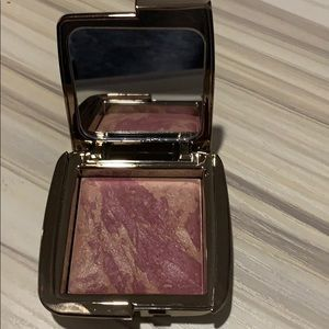 Brand New.  Hourglass Ambient Blush